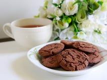 Kakor och tea Royaltyfria Foton