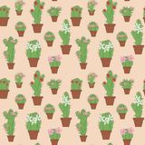 Kaktus in nahtlosem nahtlosem der Töpfe Lizenzfreie Stockfotografie