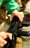 Kalachnikov d'AK-47 prête pour la bataille et la mise à mort Images libres de droits