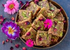Kalakand of melkcake - Indische snoepjes voor huwelijken stock afbeeldingen