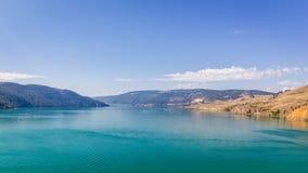 Kalamalka sjö i British Columbia Royaltyfri Bild