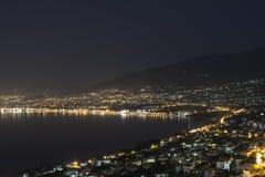 Kalamata Grekland vid natt Arkivbild
