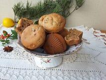 Kalanchoe-Muffins, vegetarisches Lebensmittel mit kalanchoe kochend verlässt Stockfotos