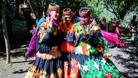 Kalash全国服装的部落妇女画象在Joshi费斯特Bumburet, Kunar,巴基斯坦 免版税库存图片