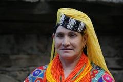 Kalash kvinna, i Chitral, Pakistan Arkivfoto