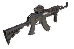 Kalashnikov AK47 med modern tillbehör Arkivbild