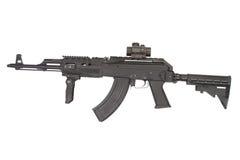 Kalashnikov AK47 med modern tillbehör Fotografering för Bildbyråer