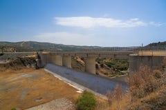 Kalavasos fördämning, Cypern Royaltyfria Bilder
