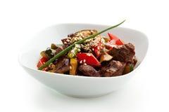 Kalbfleisch mit Gemüse Stockfotos