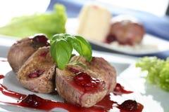 Kalbfleisch mit Sesamkremeis Stockfotos