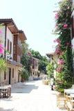Kaleici Straße mit Blumen Lizenzfreies Stockfoto