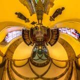 Kalejdoskopsikt av den gotiska kyrkliga inre, liten planeteffekt Fotografering för Bildbyråer