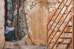 Kalekoy - de Zomer van 2011: Een traditionele vrouw van Boerenkool Royalty-vrije Stock Afbeelding