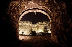 Kalemegdan fästningsikt från tunnelen Royaltyfri Fotografi
