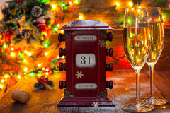 Kalendarz, Grudzień 31, szkła z szampanem Obrazy Stock