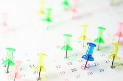 Kalendarz i pushpin. Obrazy Royalty Free