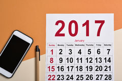 2017 kalendarz na biurowym biurku Obrazy Stock
