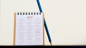 Kalendarz 2019 z ołówkiem na stole Heblujący pracę być succes Fotografia Stock