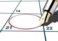 Kalendarzowa data okrążająca z czerwonym piórem Obraz Royalty Free