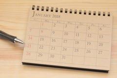 Kalendarzowy planista lub 2018 planujemy przygotowania na drewnianym tle Fotografia Royalty Free