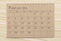 Kalendarzowy planista lub 2018 planujemy przygotowania na drewnianym tle Zdjęcia Royalty Free
