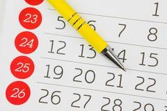 Kalendarzowy prześcieradło I pióro Zdjęcie Royalty Free