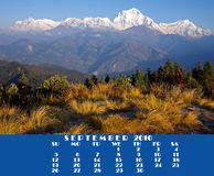Kalender 2010.September. Mening van Poon Heuvel 3210m Royalty-vrije Stock Foto's