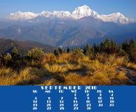 Kalender 2010.September. Mening van Poon Heuvel 3210m Royalty-vrije Stock Foto's