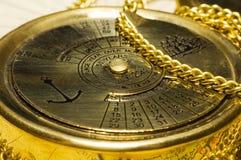 Kalender der alten Art Gold Lizenzfreies Stockbild