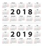 Kalender 2018 en 2019 die van Zondag beginnen Reeks van 12 Maanden Royalty-vrije Stock Afbeeldingen