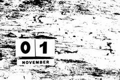 Kalender für den 1. November auf strukturiertem Schwarzweiss-Hintergrund w Stockfoto