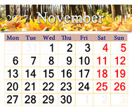 Kalender für November 2017 mit gelben Blättern Lizenzfreie Stockfotos
