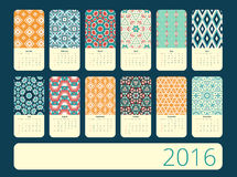 Kalender 12 månader Geometrisk tappning mönstrar Arkivbilder