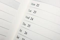 Kalender med data och dagar Fotografering för Bildbyråer