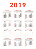 kalender 2019 med tydliga röda helger Veckastarter på söndag royaltyfri illustrationer