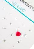 Kalender med Valentine Heart Shape I Royaltyfri Bild