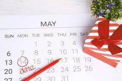 Kalender met giftdoos Royalty-vrije Stock Foto