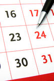 Kalender mit Feder Stockfotografie