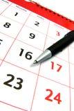 Kalender mit Federansicht Stockfotografie