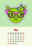 Kalender 2017 mit Katzen may Artmodeflecken, -stiften und -aufklebern der Karikatur 80s-90s in den komischen Pop-Arten-Vektor Lizenzfreies Stockfoto