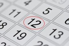 Kalender, tekendag van de week, datum in de rode cirkel, nota, planner, memorandum, sparen datum, 12 royalty-vrije illustratie