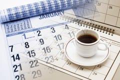 Kalender und Tee Ccup Lizenzfreies Stockfoto