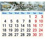 Kalender voor December 2017 met tak door sneeuw wordt behandeld die Stock Foto