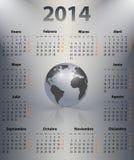 Kalender voor het jaar van 2014 in het Spaans met de wereldbol in een vlek Royalty-vrije Stock Foto