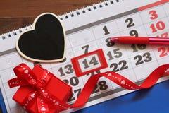 Kalendern med noterat på 14 Februari Arkivfoton