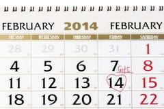 Kalenderpagina met rood hart op 14 Februari 2014. Stock Fotografie