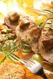 Kalfsvlees met boleet stock afbeelding