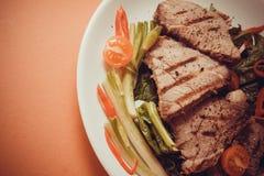 Kalfsvlees met spinazie Royalty-vrije Stock Foto's