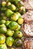 Kalfsvleeslapje vlees met spruitjes Royalty-vrije Stock Afbeeldingen