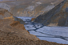 Kali Gandaki River i lägre mustangNepal Himalayas Royaltyfri Fotografi